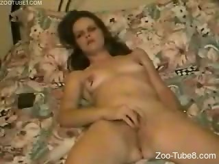Horny babe fucking her pussy with a bunch of toys