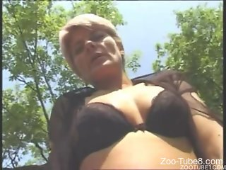 Outdoor fuck video with a GILF and her girlfriend