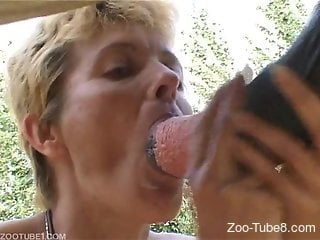 Mature lady cannot stop sucking horse cocks on cam