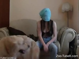 Towel head hottie surrenders her pussy to a dog